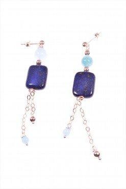 Orecchini pendenti azzurri rosa, lapislazzuli Orecchini pendenti disuguali in pietre dure, lapislazzuli, acquamarina, amazzonite, argento rosa